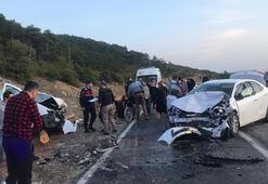 Bursada iki araç kafa kafaya çarpıştı, 6 kişi yaralandı