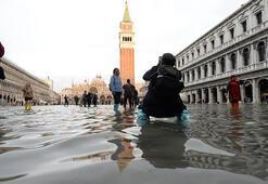 Venedikte tarihi San Marco Meydanı sular altında kaldı