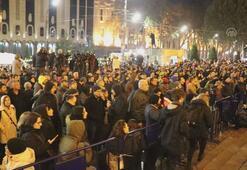 Gürcistanda erken seçim protestosu