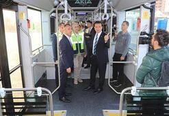 İmamoğlu yerli metrobüsü test etti