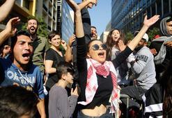 Göstericiler meclisi kuşattı, af oturumu ertelendi