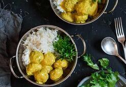 Hindistan cevizi sütlü körili köfte tarifi