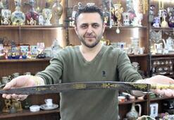Altın işlemeli 218 yıllık kılıcı otomobil fiyatına satışa çıkarttı