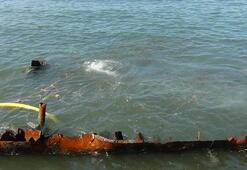 Batık gemi denizden çıkarıldı