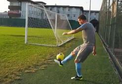 João Pedro da Silva Pereiradan kale arkasından gol atma denemesi