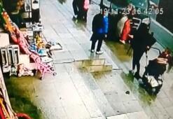 Sultanbeylide araç kaldırımdakilere çarptı Yaralılar var...