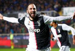 Juventusta Higuain şov yaptı