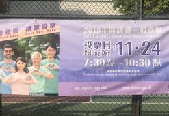 Hong Kongda halk yerel seçim için sandık başında
