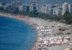 Antalya, tarihinde ilk kez 15 milyon turisti gördü