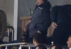 Sergen Yalçın, Fenerbahçe maçını tribünden izledi