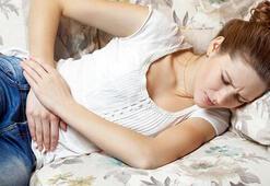 Karın ağrısına ne iyi gelir, şiddetli ağrı nasıl geçer Karın ağrısı için evde bitkisel çözüm yöntemleri nelerdir
