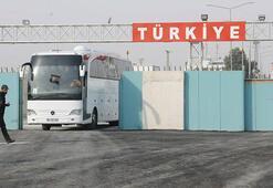 Akçakale Sınır Kapısından geçen 250 Suriyeli, Tel Abyada döndü