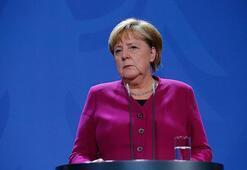Merkelden Suriye açıklaması: Siyasi değişime ihtiyacımız var