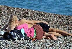 Bu fotoğraf bugün çekildi... Denize girip ısındılar