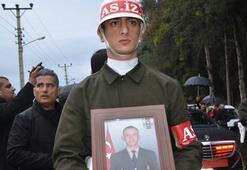 Yıldırım düşmesi sonucu şehit olan asker Adanada son yolculuğa uğurlandı