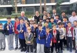 Minik satranççılar Aryom'da yarıştı