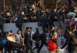 Hong Kong sokakları durulmuyor