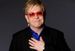 Elton John itiraf etti: Sahneye bez bağlayarak çıktım