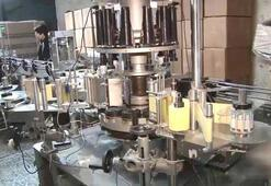 Fabrika gibi çalışıyor: Sahte alkol imalathanesine baskın