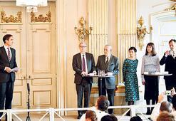 Nobel Edebiyat Ödülü'nde sular durulmuyor