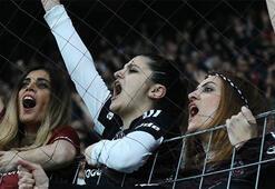 Beşiktaştan kadın taraftarlara jest