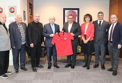 Türkiye Futbol Vakfından TFF Başkanı Özdemire ziyaret