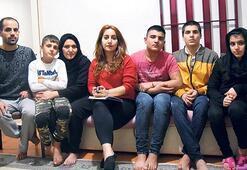 Afgan aileyi cerrah güldürdü