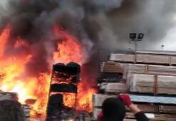 Çatalcada fabrika yangını Alev alev...