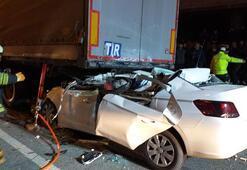 Samsun'da otomobilin tırın altına girdi