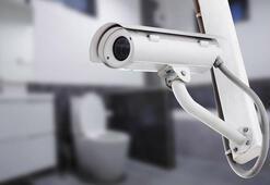 Şok uygulama: Tuvaletlere kamera takıldı