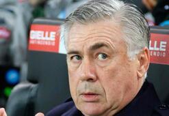 Napolide Carlo Ancelotti ile yollar ayrıldı