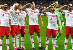 UEFAdan asker selamına kınama cezası