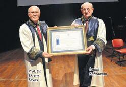Uşak Üniversitesi'nden Kahraman'a fahri doktora