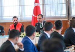 Kasapoğlu, Büyük Atatürk Koşusunu kazanan milli atletlerle buluştu