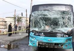 Gaziosmanpaşada halk otobüsüyle otomobil çarpıştı