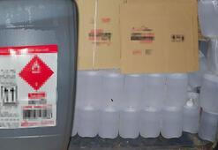 Adanada antifrizli cam suyu yazılı kolilerde bin litre etil alkol ele geçirildi