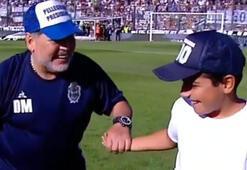 Maradona ve tribünlerden dikkat çeken coşku
