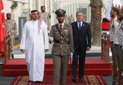Bakan Akar ve Orgeneral Güler Katarda törene katıldı