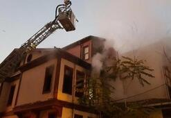 Tarihi binada korkutan yangın