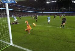 Manchester Cityin Leicestera kozu Aguero