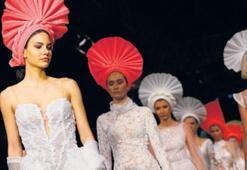 95 özel tasarım Fashion Week'te