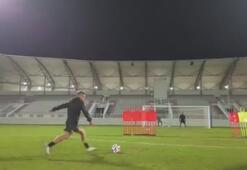 Fenerbahçenin eski futbolcusu Diego Ribas, antrenmanda şık bir gole imza attı
