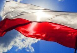 Polonyada tartışmalara neden olan yasa kabul edildi