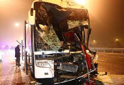 Yolcu otobüsü kaza yaptı Çok sayıda yaralı var