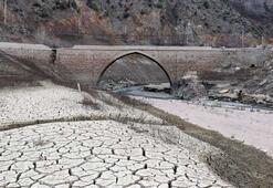 Torul baraj gölünde su seviyesi 40 metre çekildi