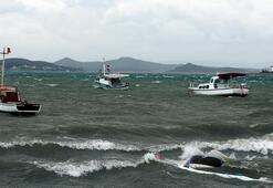Tekneler su altında kaldı Edremiti esir aldı Salı gününe kadar devam edecek
