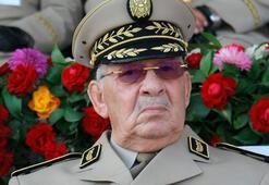 Cezayir Genelkurmay Başkanı kalp krizinden öldü