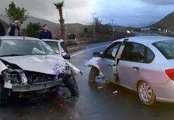 Otomobil palmiye ağacına çarptı Nevi bebek feci şekilde can verdi
