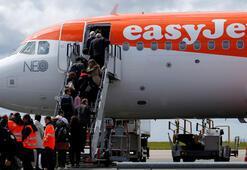 Yolcu şikayet etti, uçakta Bayanlar ve Baylar anonsu kalkıyor