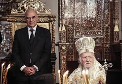 Yunanistan Dışişleri Bakanı, İstanbulda Noel ayinine katıldı